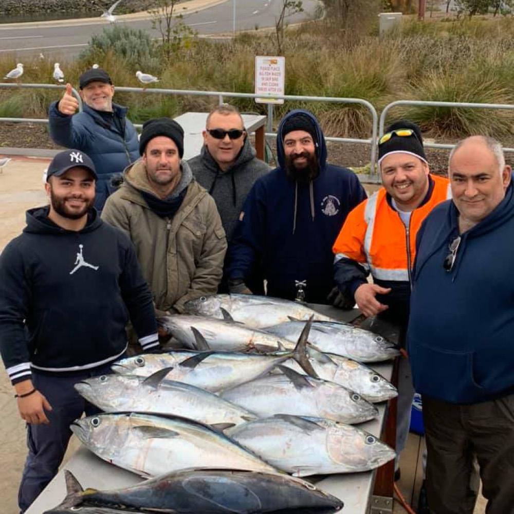 happy bagout tuna fishing charter customers